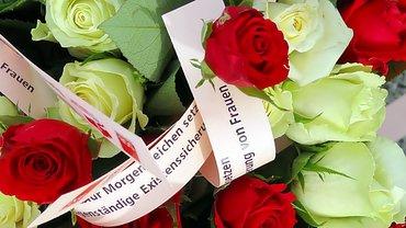 Existenzsicherung Rosen Frauentag IFT