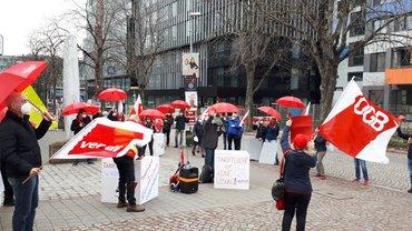 Protest vor der CDU-Zentrale in Freiburg (DGB und ver.di).